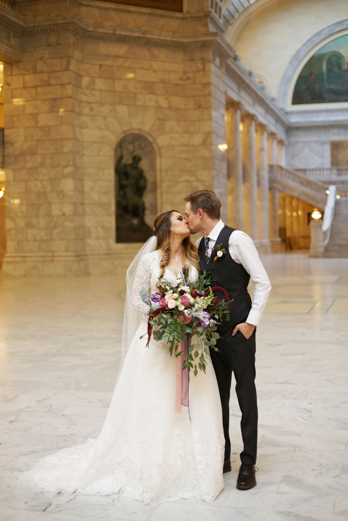 Utah_State_Capitol_Bridal_Groomal_Utah_Wedding_Photographer_0014.jpg