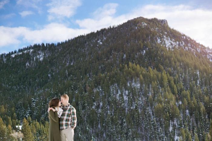 Snowy_Tibblefork_Engagement_Wedding_Utah_Photographer_0014.jpg