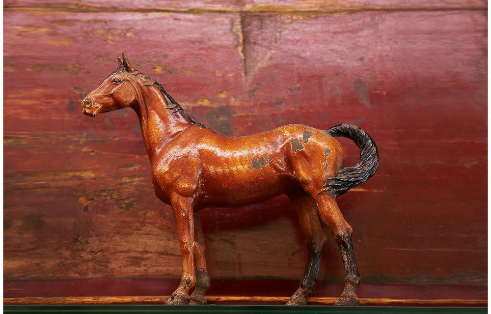 w2VINTAGE-HORSE-RED-PATINA.jpg