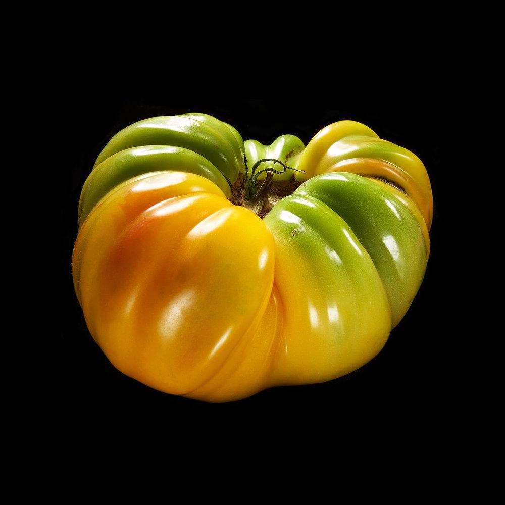 TOMATO-HEIRLOM-02-ORGANIC-FOOD-FRUIT-©-JONATHAN-R.-BECKERMAN-PHOTOGRAPHY.jpg