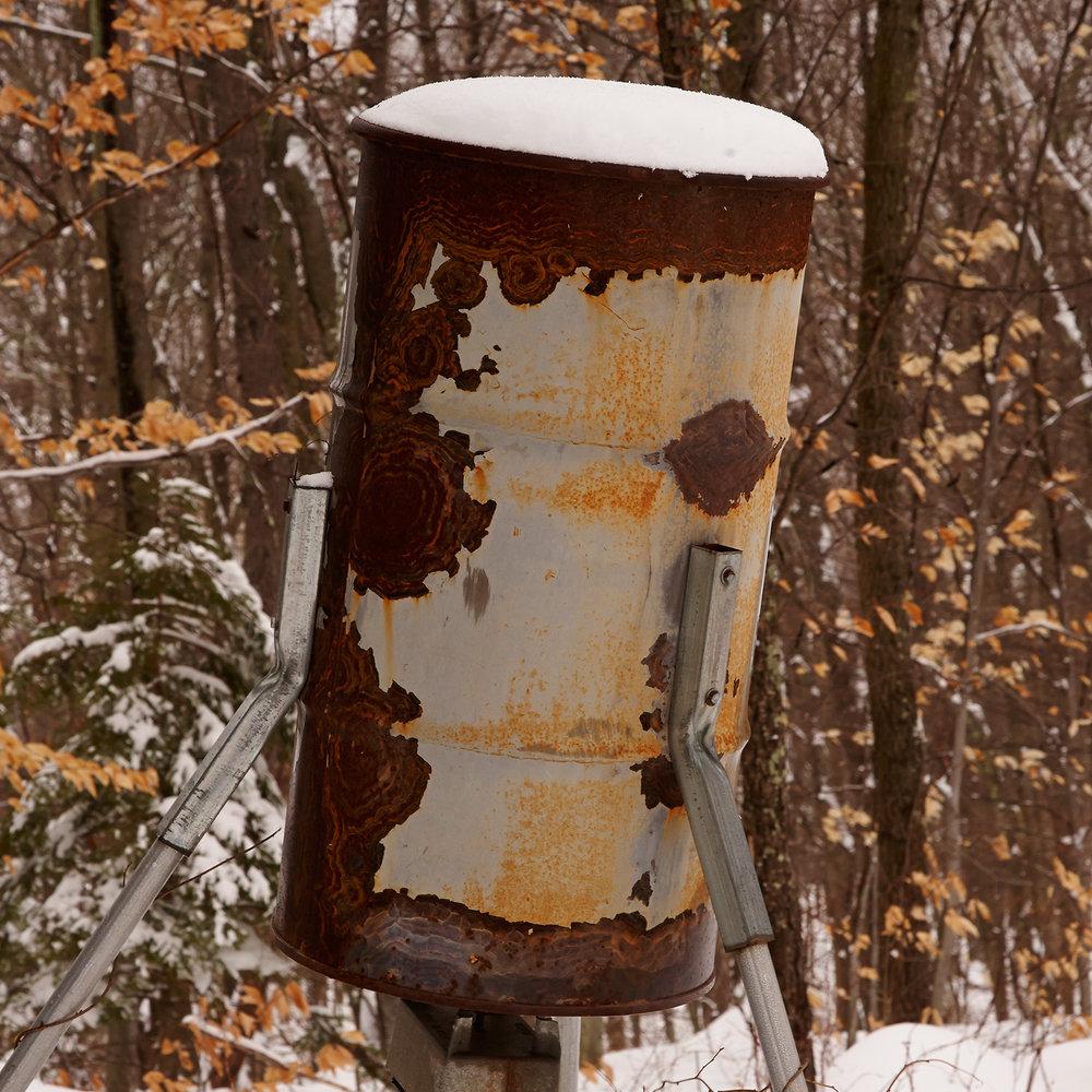 DEER-FEEDER-IN-SNOW-01-AT-WILTSHIRE-FARM-©-JONATHAN-R.-BECKERMAN-PHOTOGRAPHY.jpg
