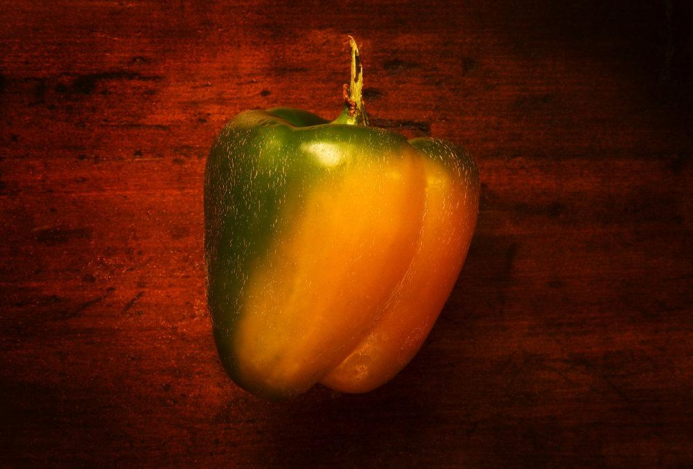 PEPPER-BELL-YELLOW-GREEN-ORGANIC-VEGETABLE-ON-WOOD-©-JONATHAN-R.-BECKERMAN-PHOTOGRAPHY.jpg