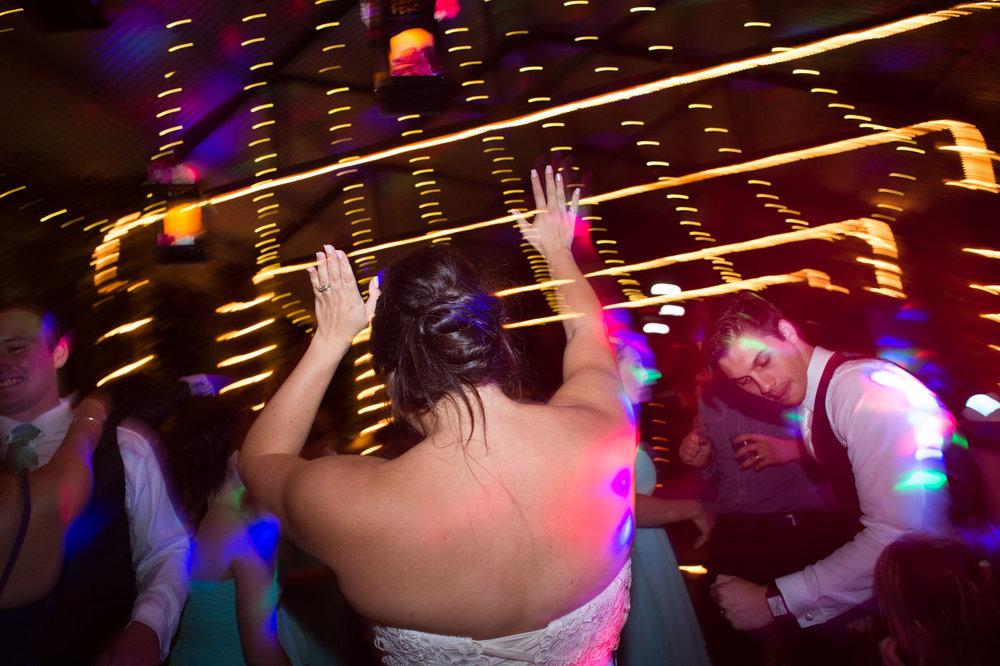 Cedar Creek Lodges wedding_New Black Studios 41.jpg