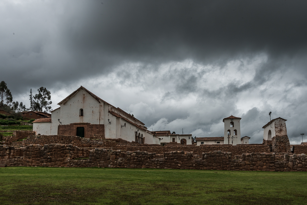 A church is now constructed on the site of the Chinchero ruins.