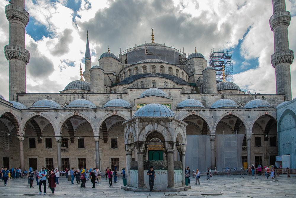 Sultah Ahmat Mosque (Blue Mosque) - Courtyard
