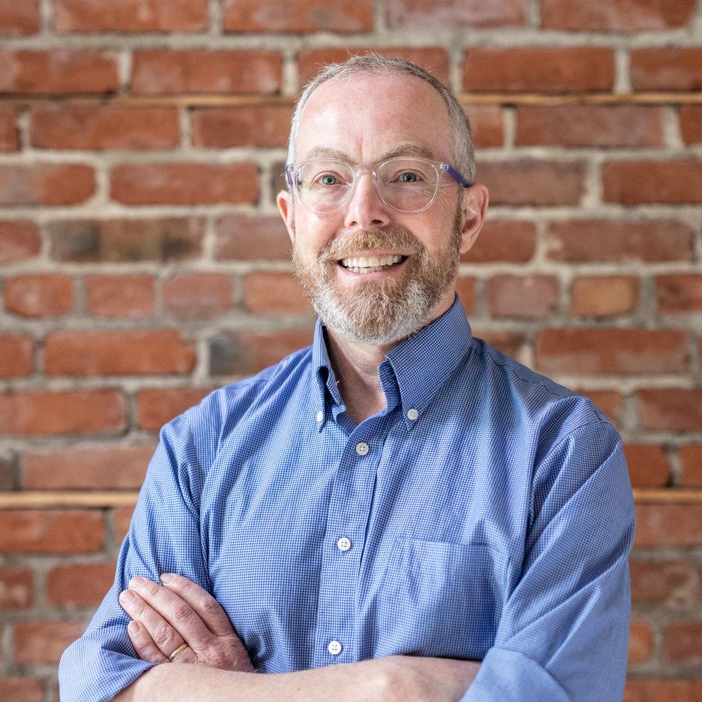 Mark Gibson    , d   irecteur d'accueil et de sécurité