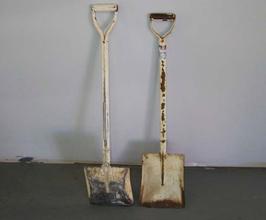 shovels3.jpg