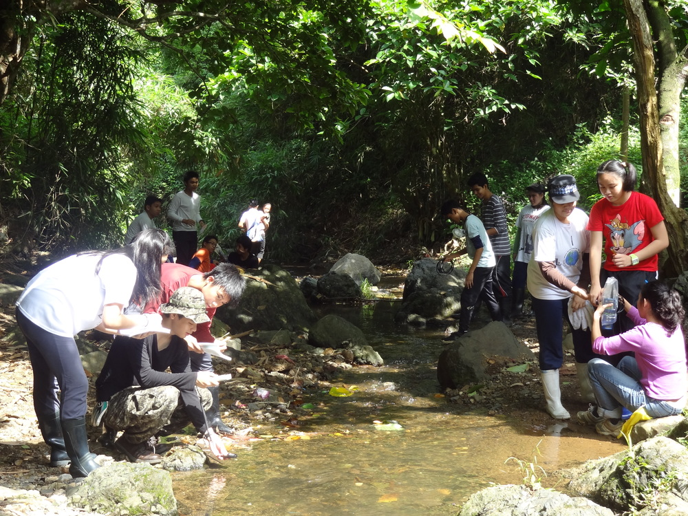 Students do research at the neighboring river. This is part of the curriculum and our initiative known as Tungtong River Conservation Project or TRCP.