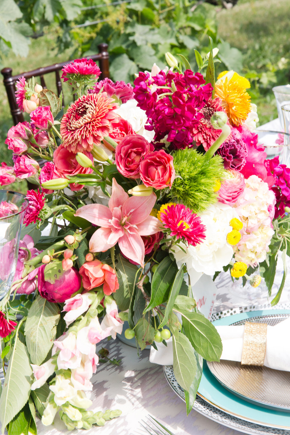 photo by  Photography by Marirosa  | flowers by  Love Blooms