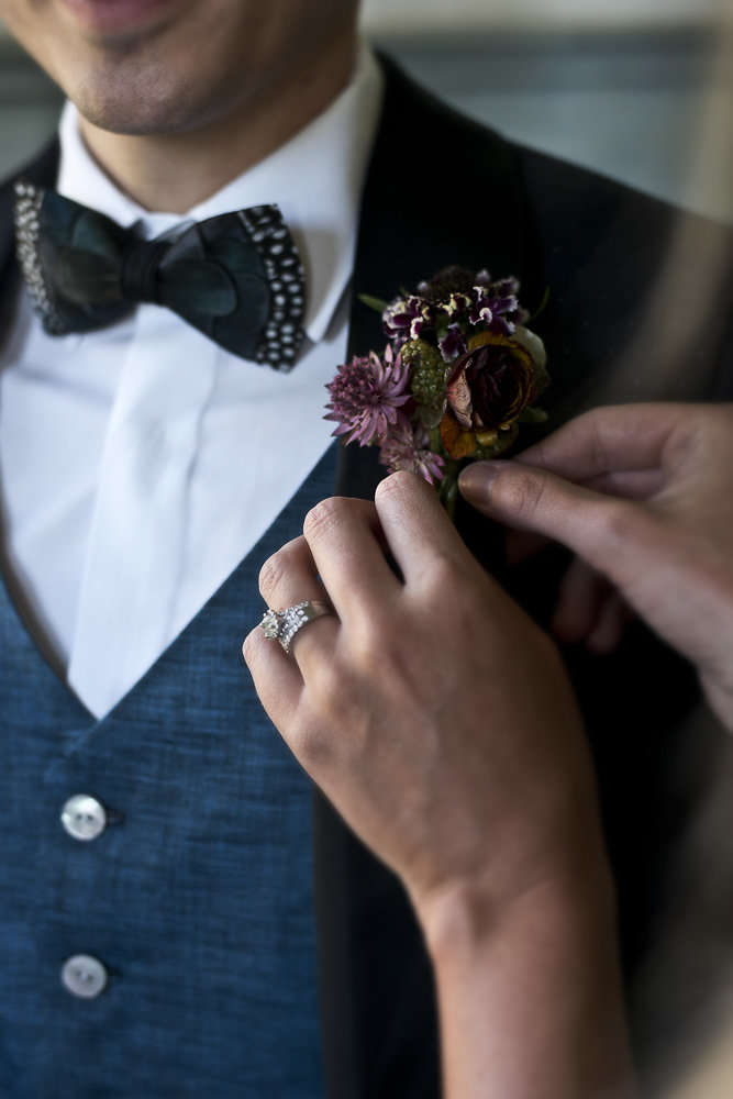 groom boutonniere wedding photography