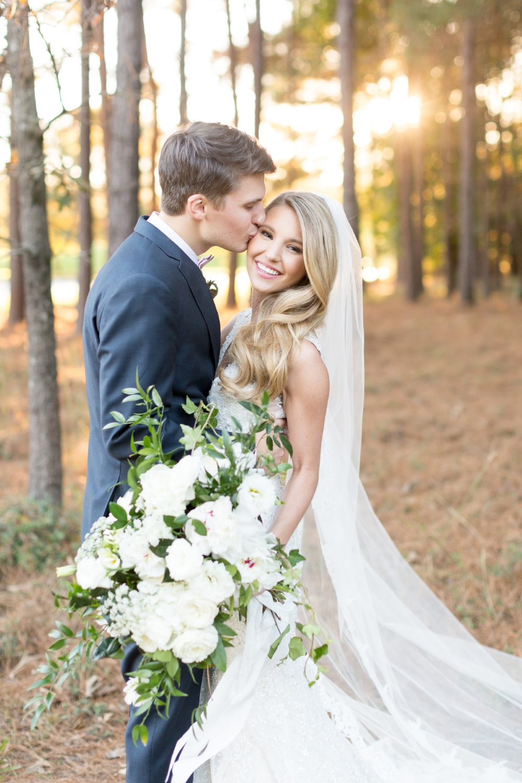 brett denfeld sincerely pete virginia wedding photographer destination wedding organic bridal bouquet