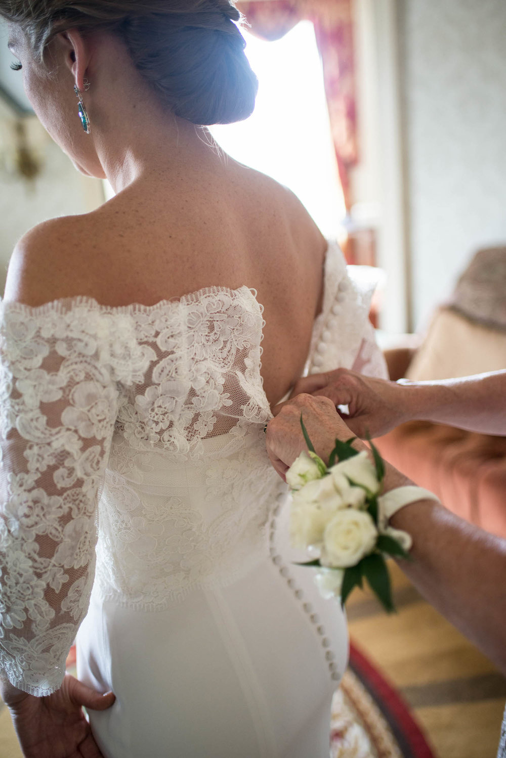 Washington DC Wedding - Sincerely Pete Events - Erin Tetterton Photography - Bride Getting Ready