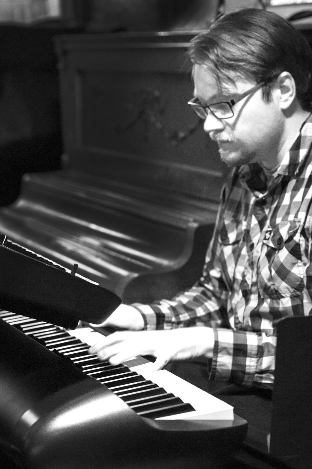 _DSC4852 VELOCITY at Bourbon Bar bw keyboard.jpg