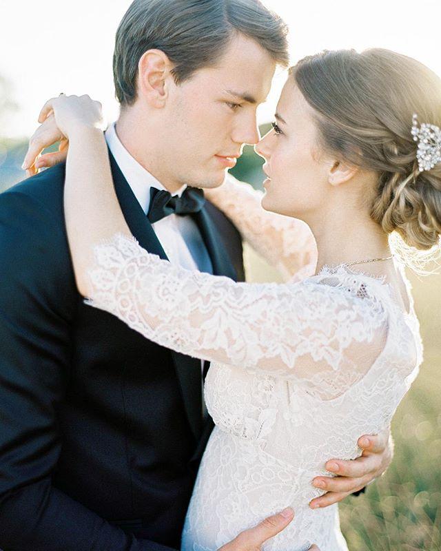 Reminiscing this amazing day at @somerleys.weddings. Floral design / styling @dominiqueflowers. Hair @kristinebissonhair. Makeup @cathytolpiginmakeup. Dress @clairepettibone @romantiquebride. Hair accessory @labellethelabel. Model Hannah Muggeridge. • • • • • #bride #weddingday #weddingdress #weddingphotography #bridal #weddinginspiration #contax645 #groom #fuji400h  #weddings #bridetobe #instawedding #southernhighlands  #weddingideas #weddingplanner #engagement #marriage #weddings #weddingphoto #engaged #prewedding #theknot #sydneywedding #weddingplanning #somerleywedding #brides #weddinginspo #southernhighlandswedding  #australianfilmphotographer  #weddinggown