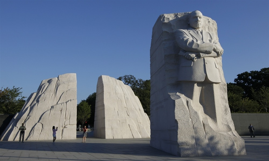 I just love the look of this monument.  It's one of many on a long list of things I want to see.
