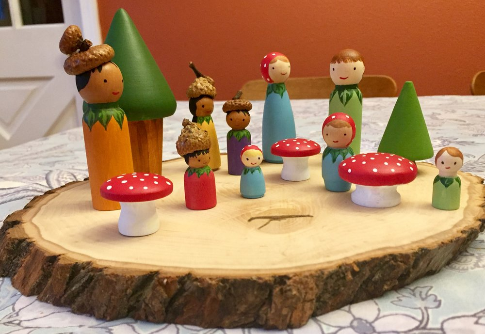 Children's Collection - Woodland Family Peg Doll Set and 2 Accompanying Children's Books