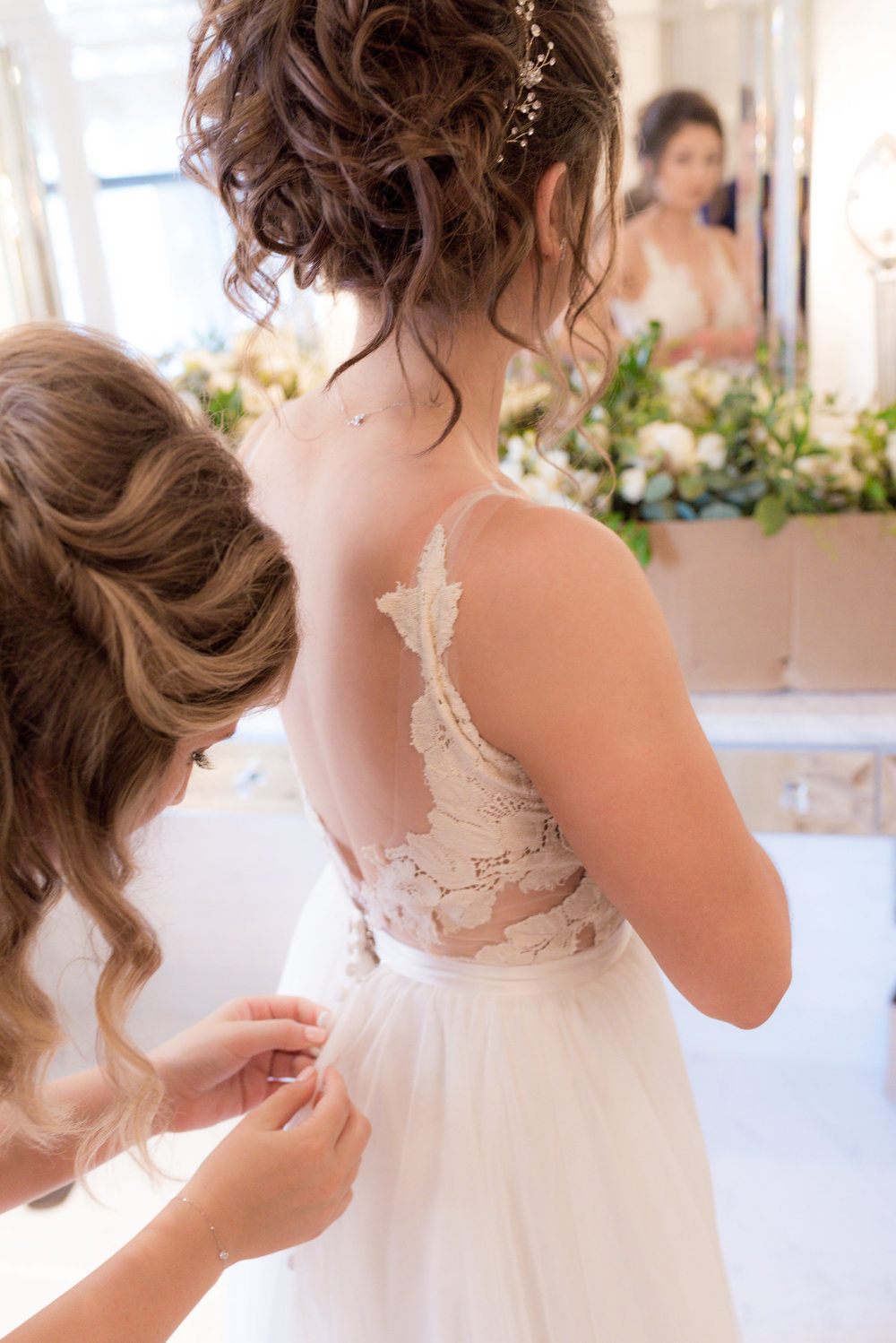 Maggie Tony Wedding-Getting Ready Girls-0198.jpg