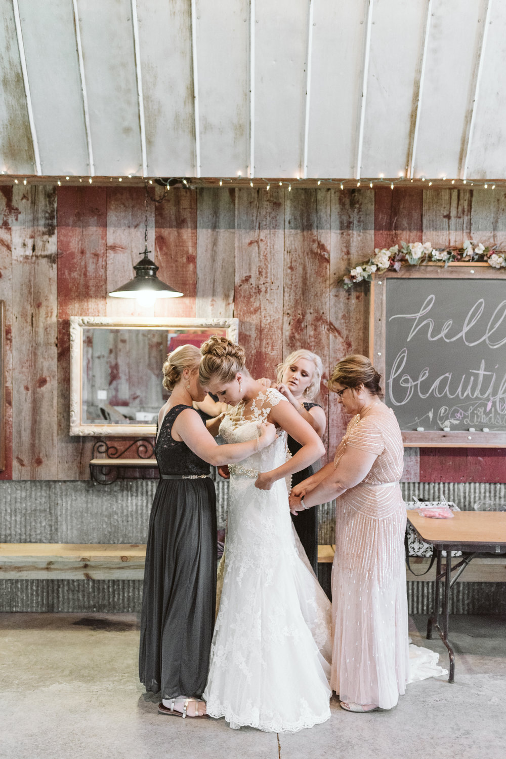 Busy-Barns-Adventure-Farm_Wedding _Fort_atkinson_Wisconsin-Gavyn-Taylor-Photo (24 of 188).jpg