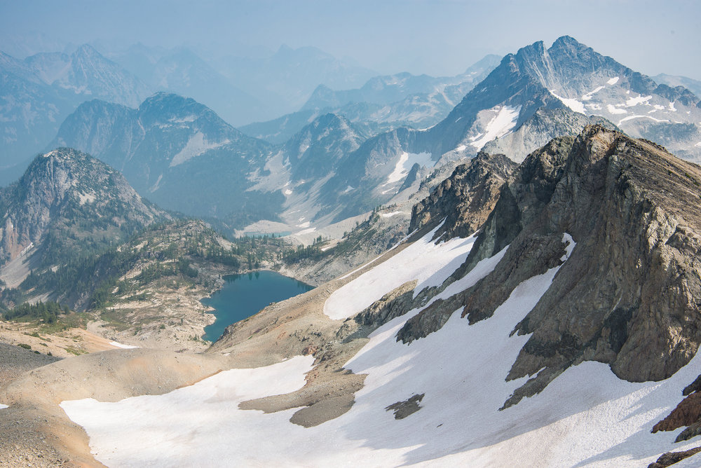 Smokey views over the North Cascades.