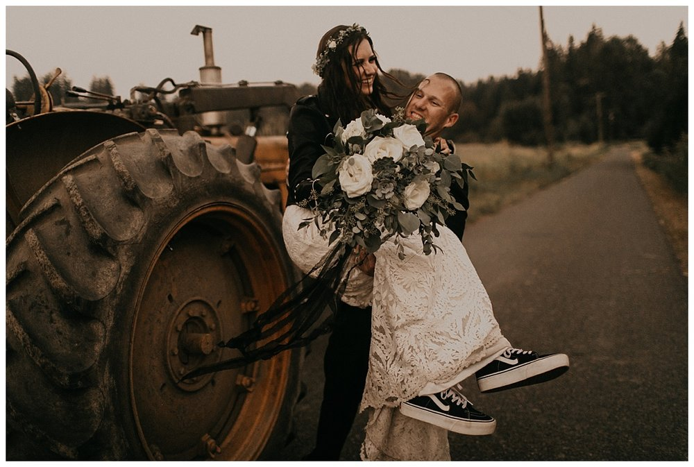 Samantha-McFarlen-PNW-Wedding-Photographer-Maroni-Meadows_1969.jpg