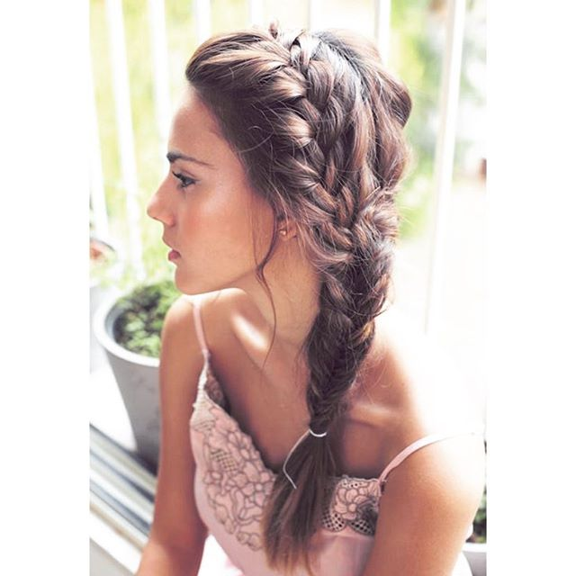 Engagement party this weekends? Or a classy garden cocktails. Remember hair is as important as the way you dress. It can leverage or break your outfit. #hair #instagram #style #princess #gardenparty #chic #tiffany #love #welovehair #myhairstyle #lovemybraids