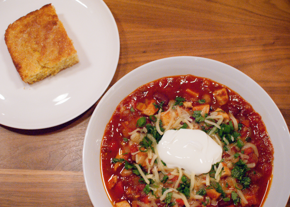 chicken chili and cornbread
