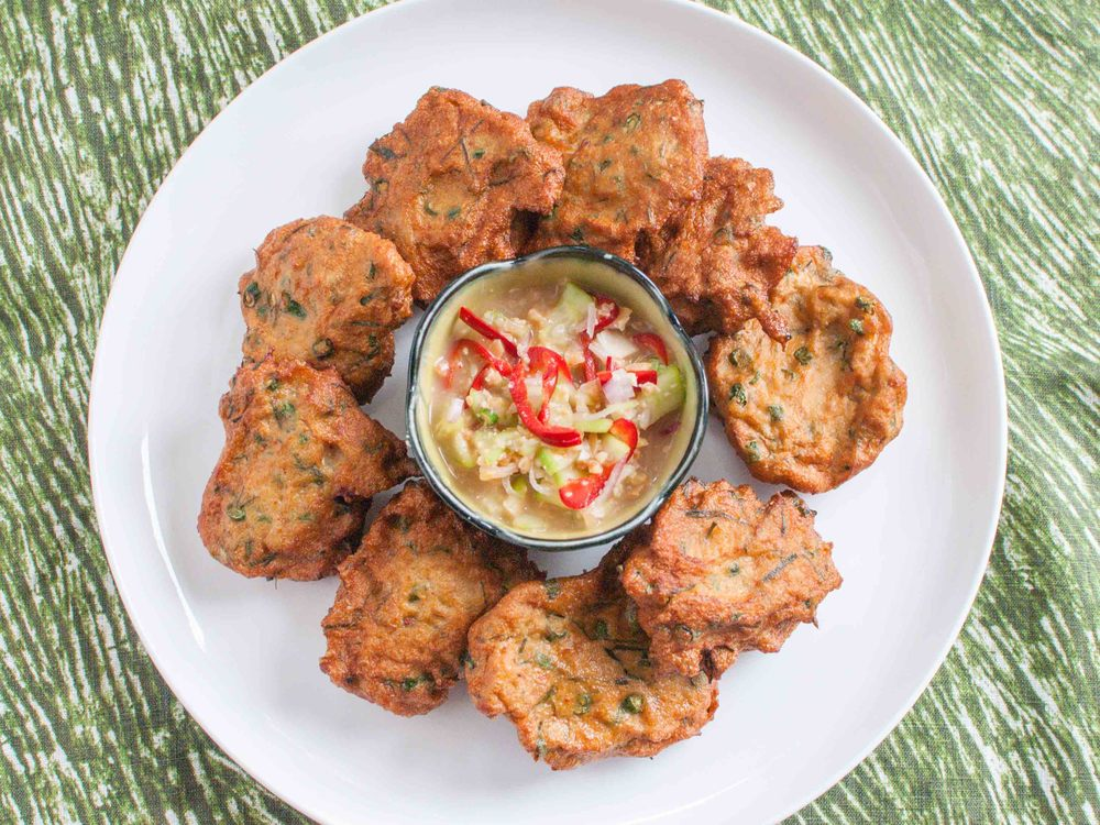 Tod Mun - Thai Fish Cakes with Cucumber Relish