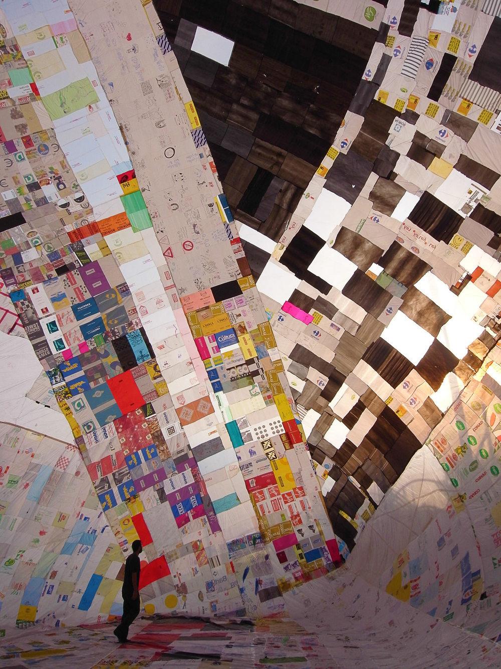 Museo Aero Solar in Ein Hawd, Israel, 2008. Photography by Studio Tomás Saraceno, © Museo Aero Solar, 2008