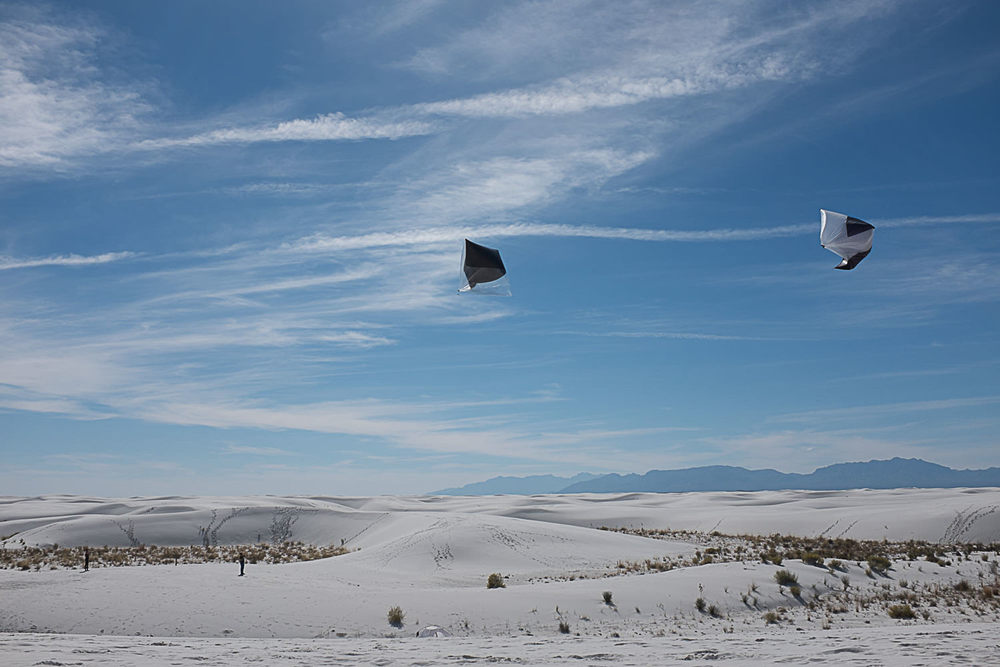 Tomás Saraceno Aerocene, launches at White Sands Dunes, 2015. Courtesy the Artist; Pinksummer contemporary art, Genoa; Tanya Bonakdar Gallery, New York; Andersen's Contemporary, Copenhagen; Esther Schipper, Berlin.   Photography by Studio Tomás Saraceno, © 2015