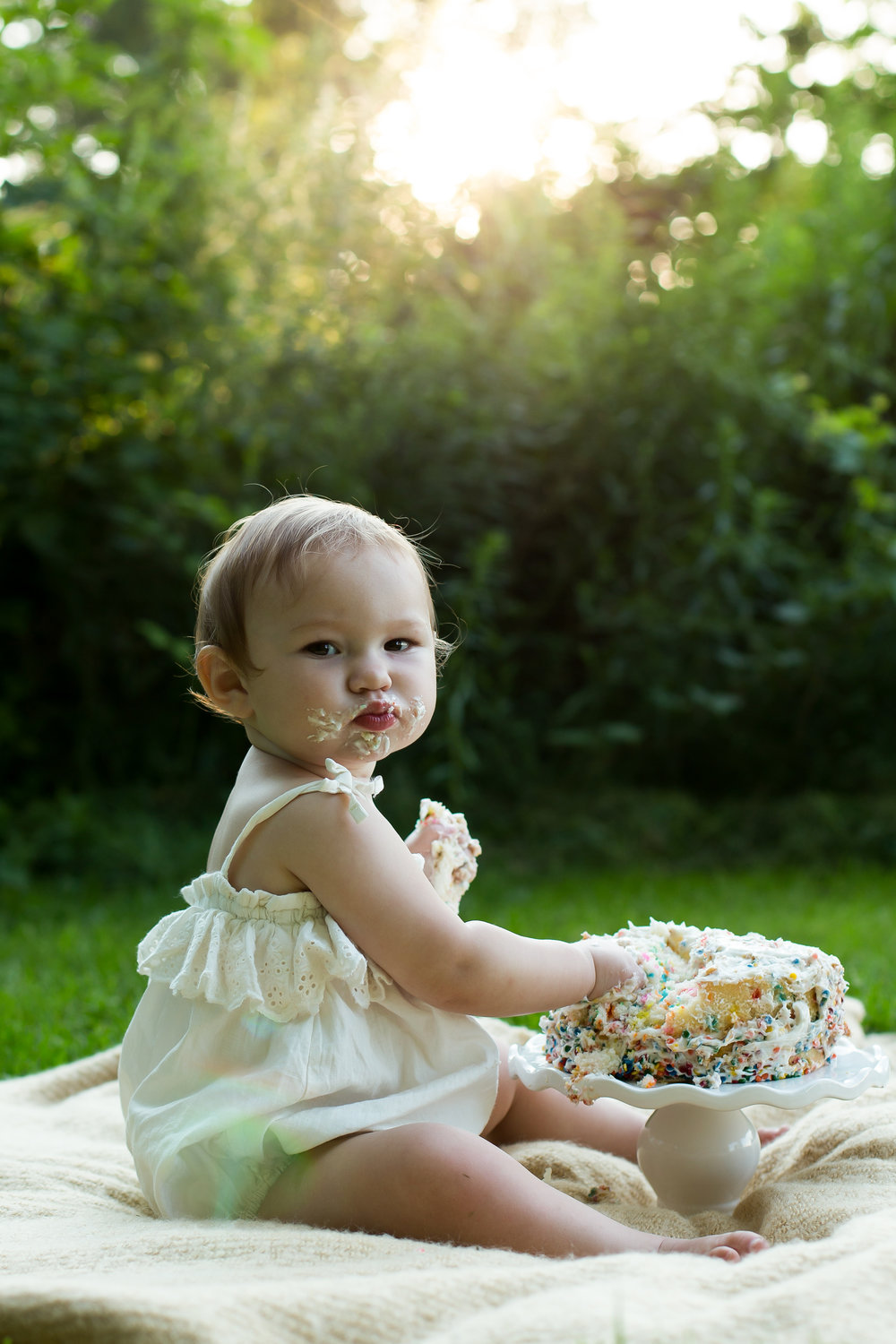 Standard Portrait Sessions - (3 Months and up, Family, Cake Smashes, Children's Portraits, Couples,)Standard Session: $175.00 plus Tax1 hour session, in studio or on location$35.00 Print Credit
