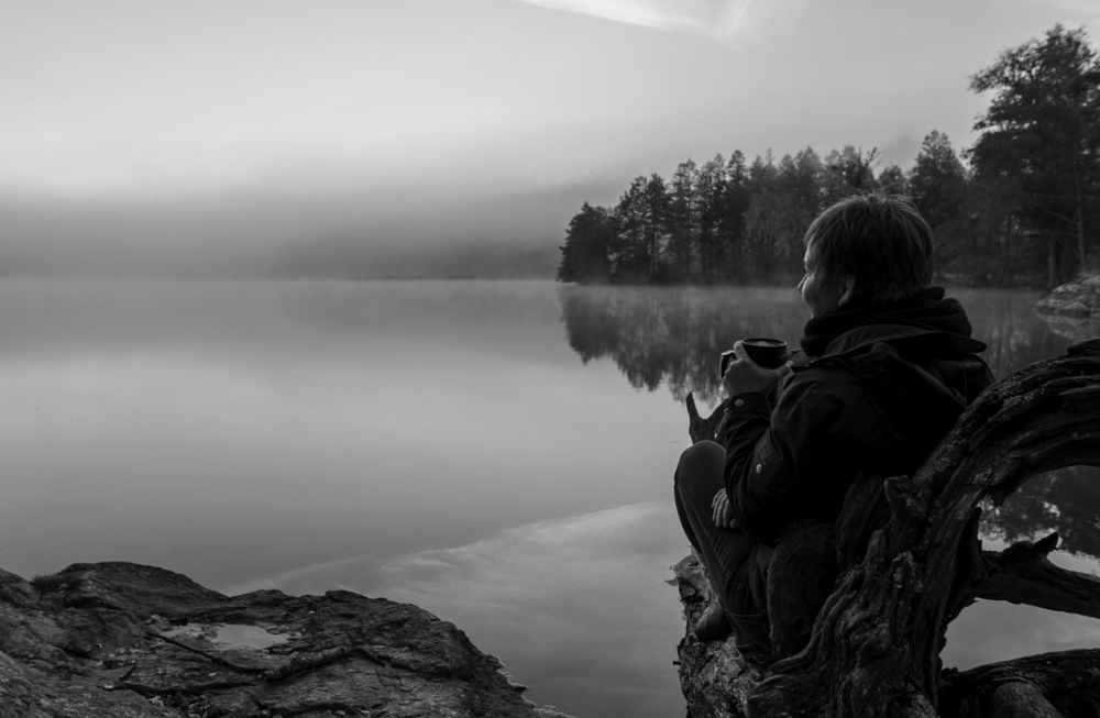 susanna_on_the_lake_bw.jpg
