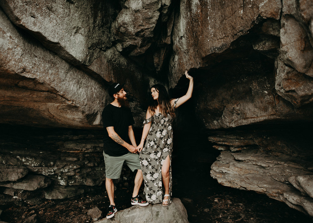 Cloudland canyon, whaterfall georgia, couples waterfall engagement 12.jpg
