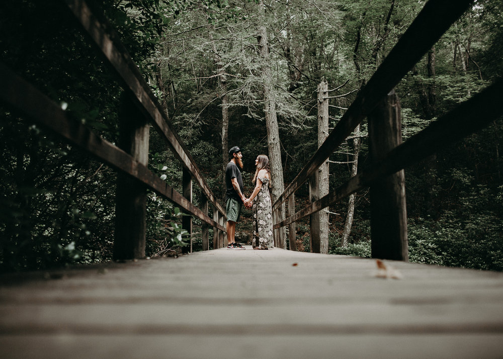 Cloudland canyon, whaterfall georgia, couples waterfall engagement 15.jpg