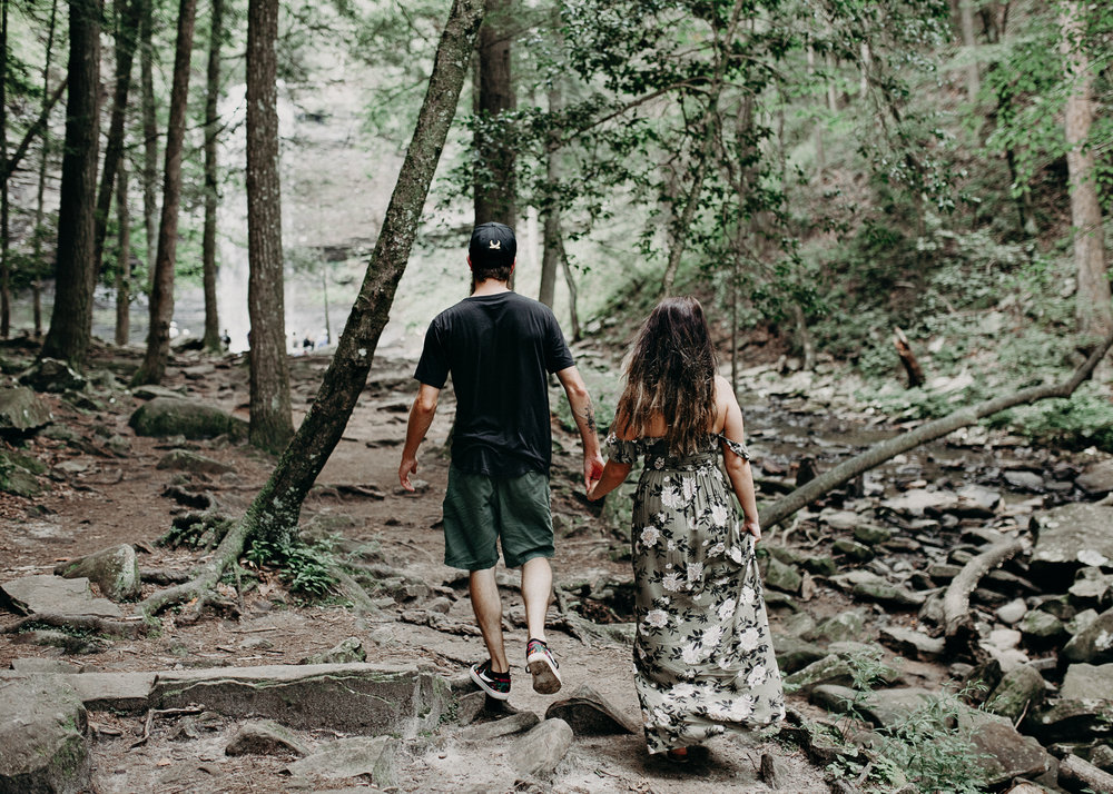 Cloudland canyon, whaterfall georgia, couples waterfall engagement 17.jpg