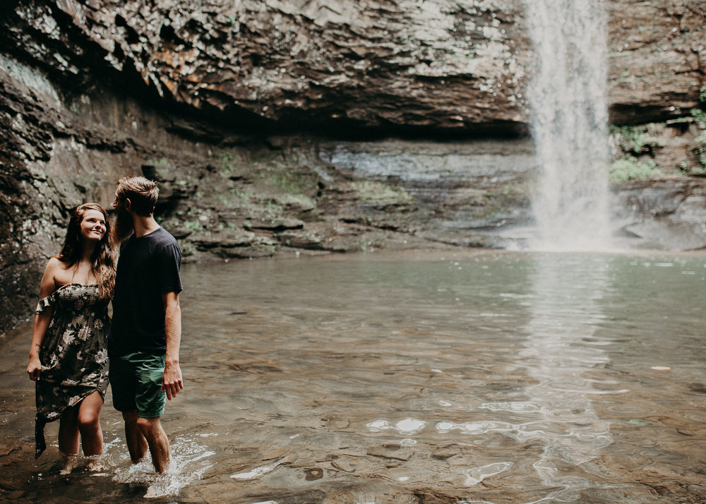Cloudland canyon, whaterfall georgia, couples waterfall engagement 26.jpg
