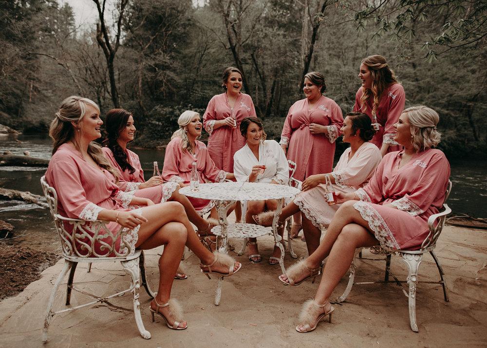9 - Fun Bridesmaids photo ideas .jpg