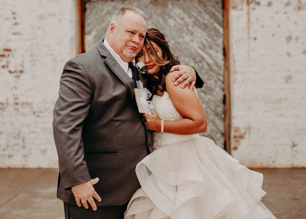16 4 - Atlanta Wedding Photographer - The engine room - Ga - Wedding trends - Aline Marin Photography.jpg