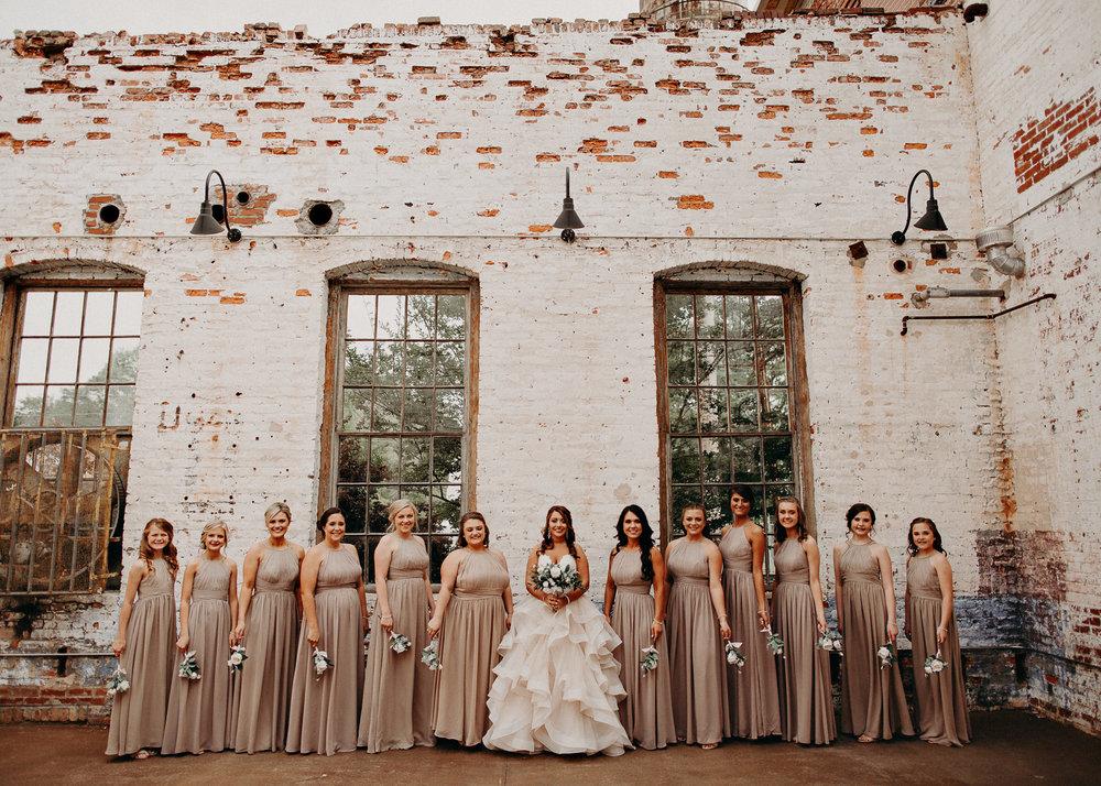 22 4 - Atlanta Wedding Photographer - The engine room - Ga - Wedding trends - Aline Marin Photography.jpg