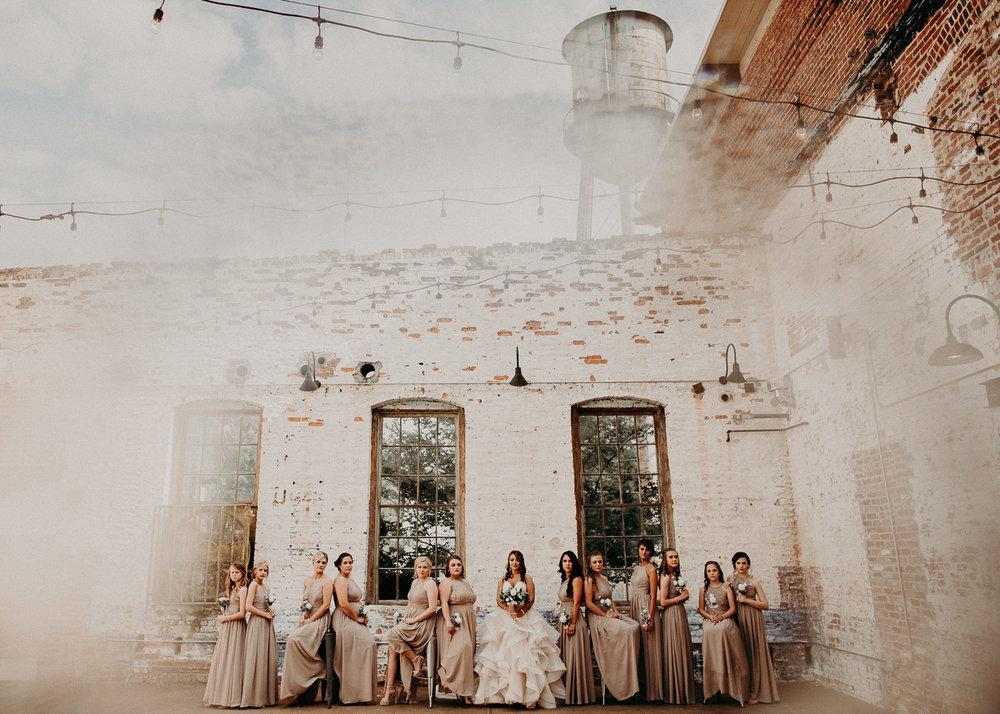 25 4 - Atlanta Wedding Photographer - The engine room - Ga - Wedding trends - Aline Marin Photography.jpg
