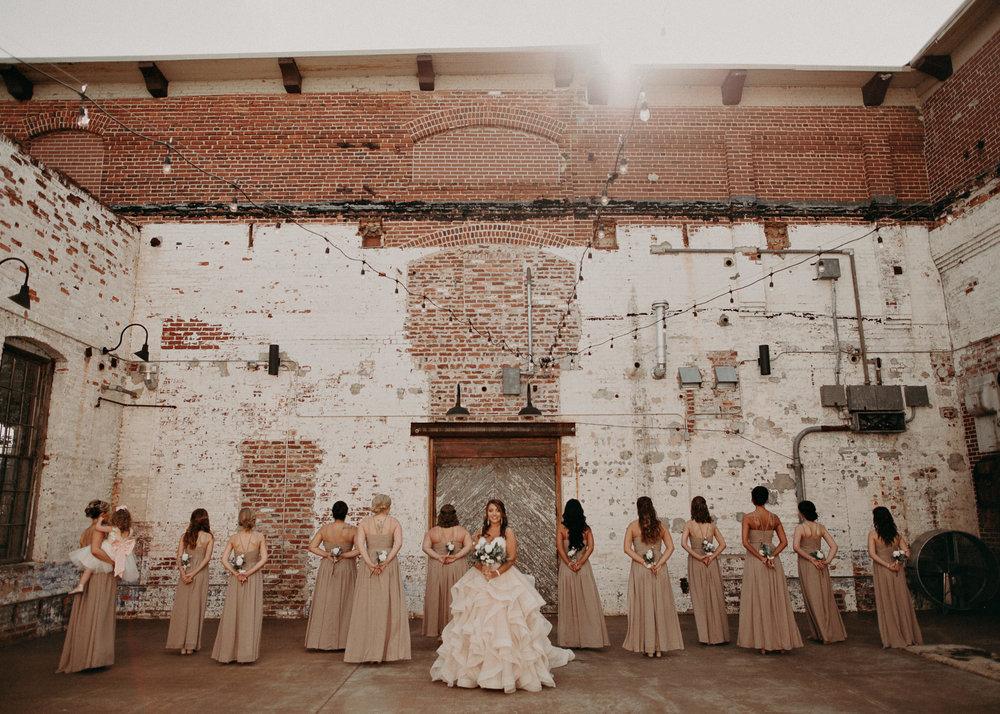 27 4 - Atlanta Wedding Photographer - The engine room - Ga - Wedding trends - Aline Marin Photography.jpg