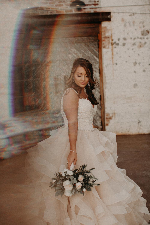 29 4 - Atlanta Wedding Photographer - The engine room - Ga - Wedding trends - Aline Marin Photography.JPG