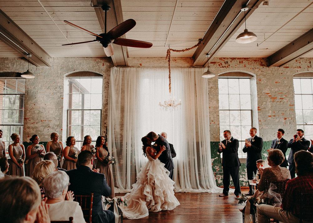 45 4 - Atlanta Wedding Photographer - The engine room - Ga - Wedding trends - Aline Marin Photography.jpg