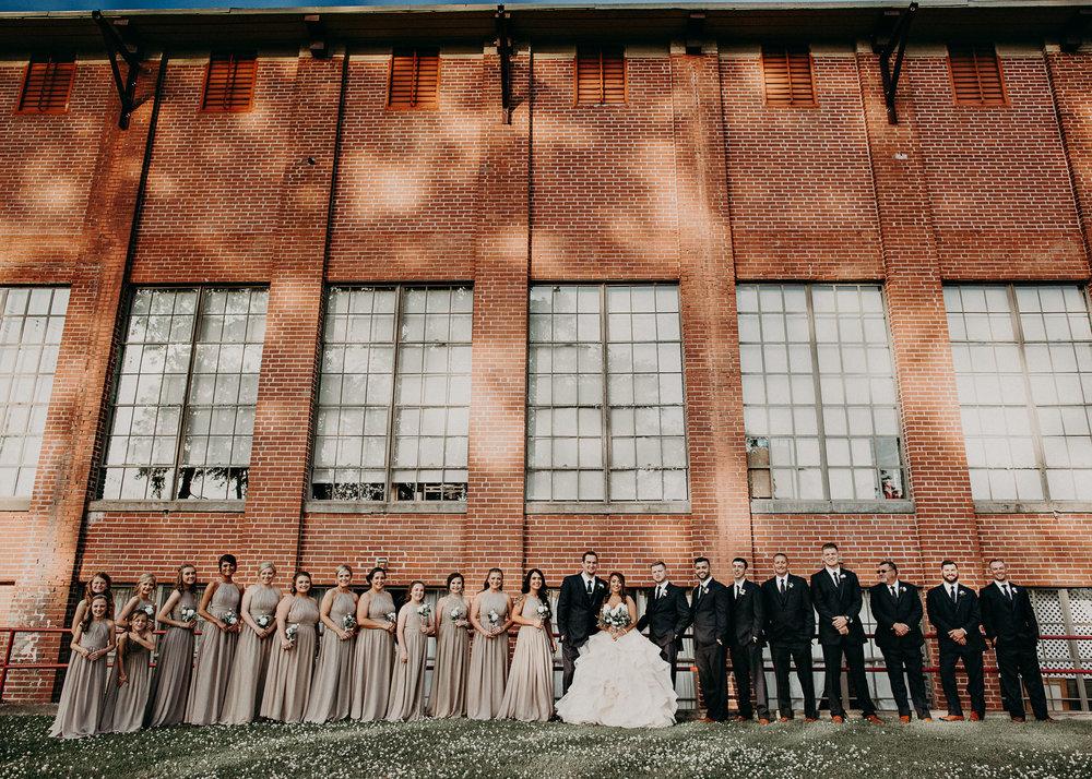 51 4 - Atlanta Wedding Photographer - The engine room - Ga - Wedding trends - Aline Marin Photography.jpg