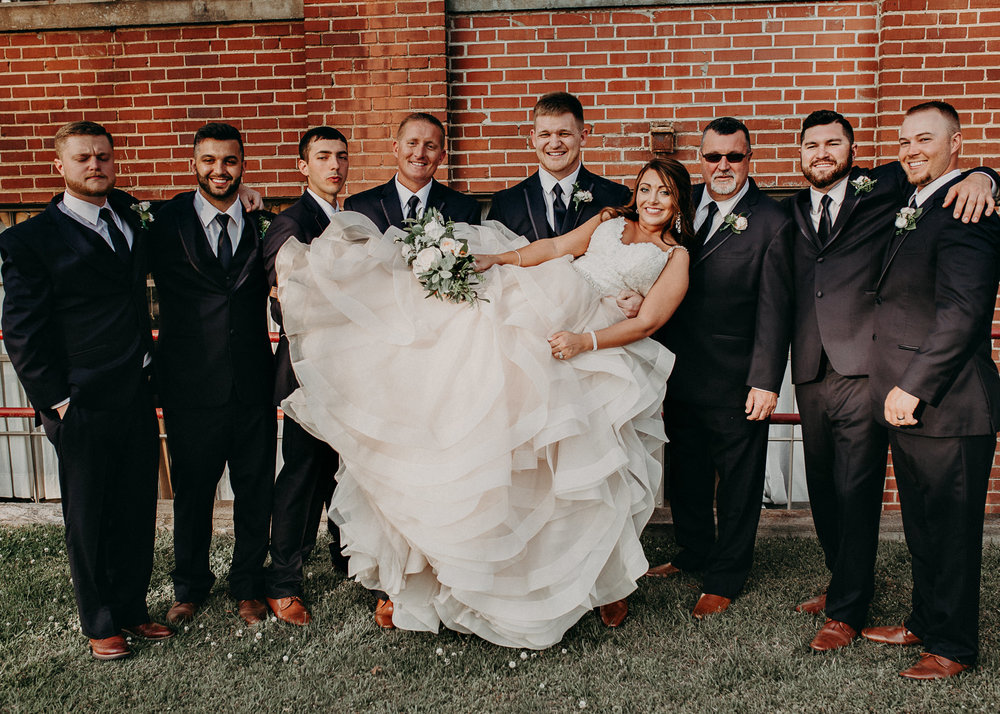 53 4 - Atlanta Wedding Photographer - The engine room - Ga - Wedding trends - Aline Marin Photography.jpg