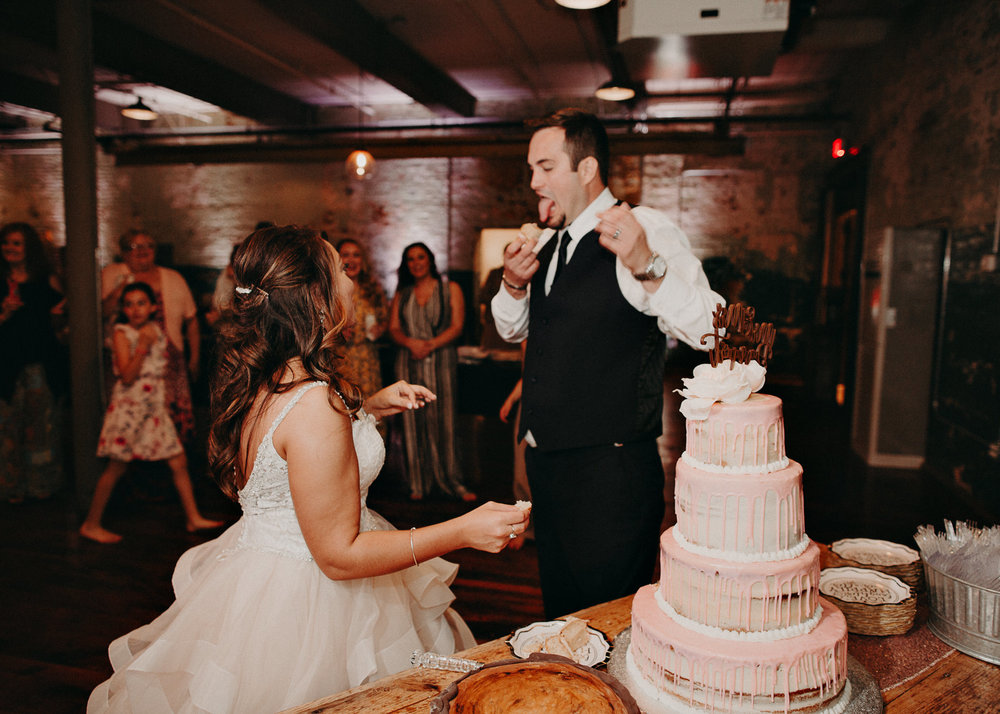 64 - Atlanta Wedding Photographer - The engine room - Ga - Wedding trends - Aline Marin Photography.jpg