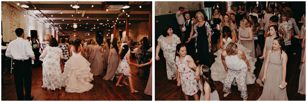 65 4 - Atlanta Wedding Photographer - The engine room - Ga - Wedding trends - Aline Marin Photography.jpg