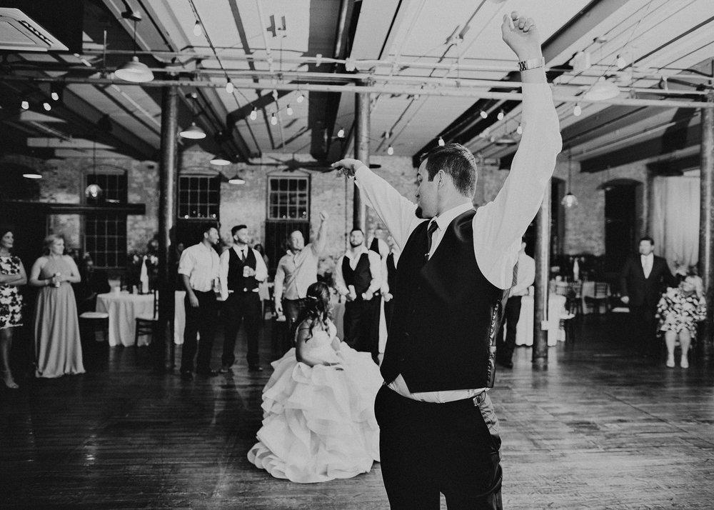 76 - Atlanta Wedding Photographer - The engine room - Ga - Wedding trends - Aline Marin Photography.jpg
