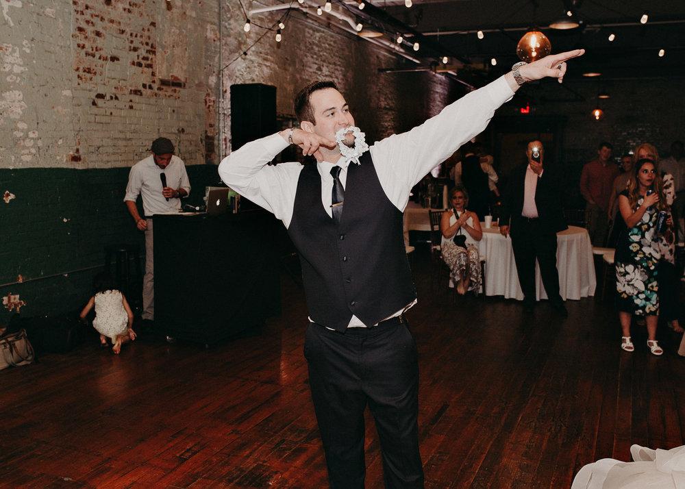 75 - Atlanta Wedding Photographer - The engine room - Ga - Wedding trends - Aline Marin Photography.jpg