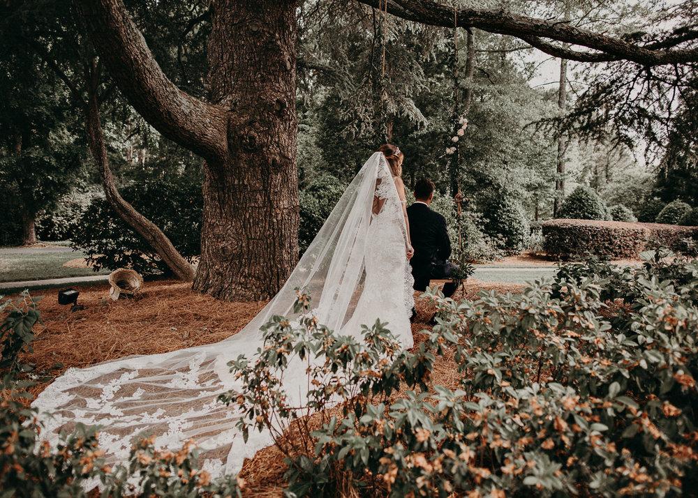 34Carl House Wedding Venue Ga, Atlanta Wedding Photographer - Boho, Bohemian, Junebug Weddings, Vintage, Retro, Trendy. Aline Marin Photography. .jpg