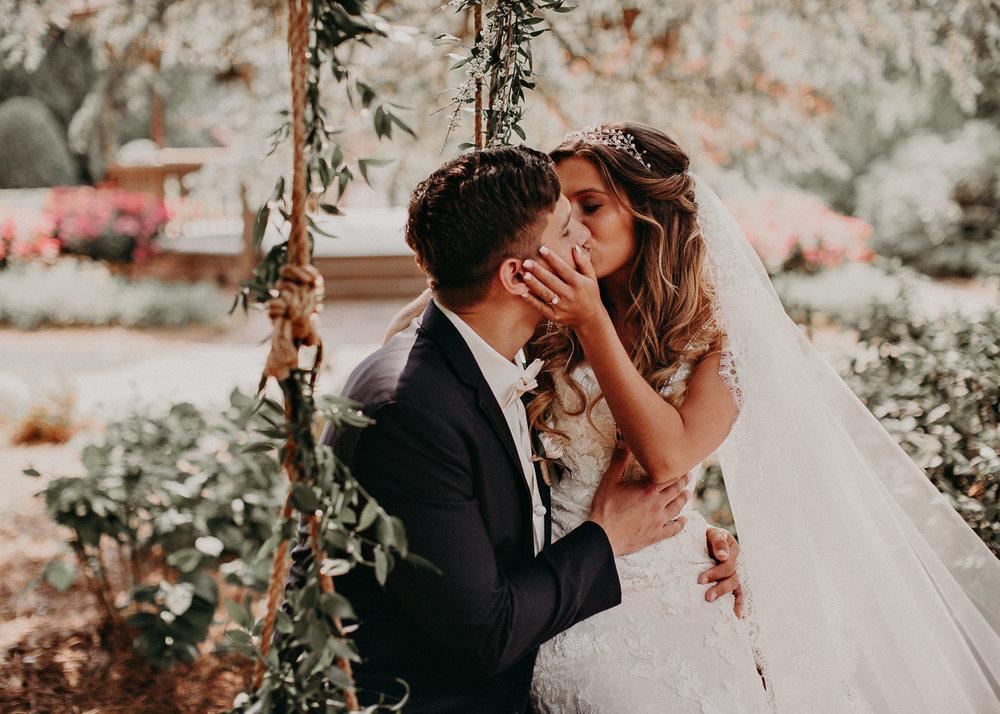 36Carl House Wedding Venue Ga, Atlanta Wedding Photographer - Boho, Bohemian, Junebug Weddings, Vintage, Retro, Trendy. Aline Marin Photography. .jpg
